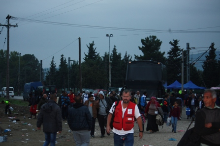 Buses arriving in Eidomeni