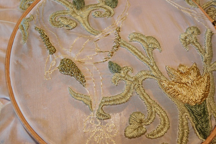 game_of_thrones_embroidery_by_eisfluegel-d7qyiwj